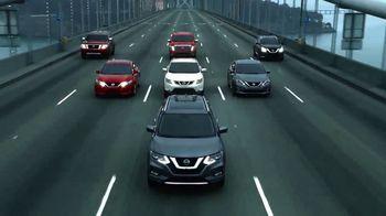 2017 Nissan Rogue TV Spot, 'Auto Show' [T2] - Thumbnail 2