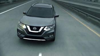 2017 Nissan Rogue TV Spot, 'Auto Show' [T2] - Thumbnail 7