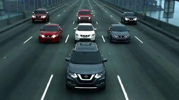 2017 Nissan Rogue TV Spot, 'Auto Show' [T2] - Thumbnail 8