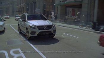 2017 Mercedes-Benz GLE TV Spot, 'Lights, Camera, Action!' [T2] - Thumbnail 5