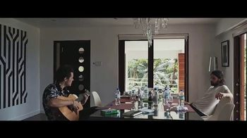 Apple Music TV Spot, 'Harry Styles: Behind the Album' - Thumbnail 3