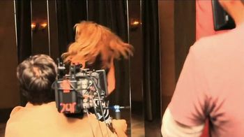 Apple Music TV Spot, 'Shakira: El Dorado' - Thumbnail 1