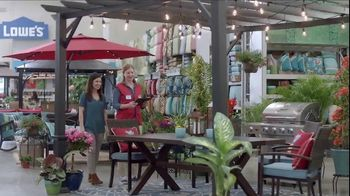 Lowe's Memorial Day Savings Event TV Spot, 'Outdoor Look: Gas Grill' - Thumbnail 4