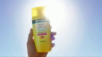 Neutrogena Beach Defense TV Spot, 'Best Day in the Sun' Ft. Jennifer Garner - Thumbnail 3