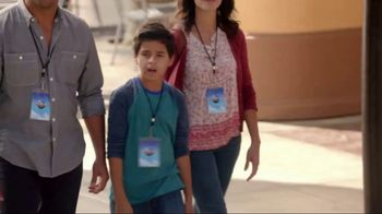 Universal Studios Hollywood TV Spot, 'Friends' - Thumbnail 3