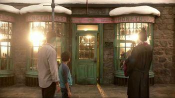 Universal Studios Hollywood TV Spot, 'Friends' - Thumbnail 6