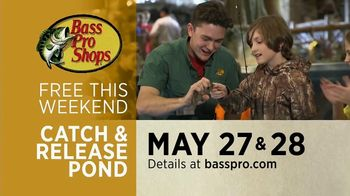 Bass Pro Shops Go Outdoors Event and Sale TV Spot, 'Shirts and Kayak' - Thumbnail 7