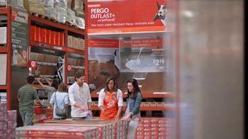 The Home Depot TV Spot, 'Resistente al agua' [Spanish] - Thumbnail 3