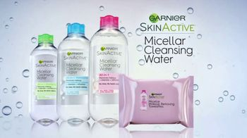 Garnier SkinActive Cleansing Water TV Spot, 'Works Morning and Night' - Thumbnail 8
