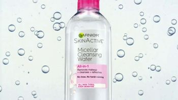 Garnier SkinActive Cleansing Water TV Spot, 'Works Morning and Night' - Thumbnail 3