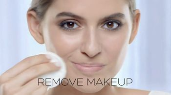 Garnier SkinActive Cleansing Water TV Spot, 'Works Morning and Night' - Thumbnail 6
