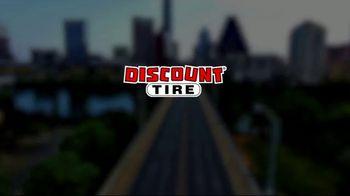 Discount Tire Memorial Day Deals TV Spot, 'VISA Prepaid Card' - Thumbnail 1