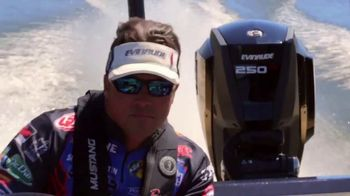 Evinrude Run Fearless Sales Event TV Spot, 'Awesome' Featuring Scott Martin - Thumbnail 4