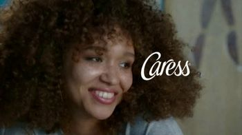 Caress Sheer Twilight TV Spot, 'Soft Skin and Fine Fragrance' - Thumbnail 6