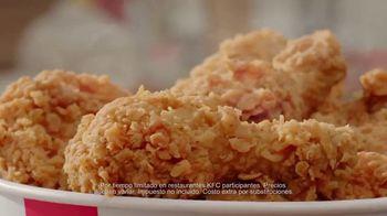 KFC $20 Fill Up TV Spot, 'Dejen de ver sus teléfonos' [Spanish] - Thumbnail 3