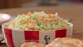 KFC $20 Fill Up TV Spot, 'Dejen de ver sus teléfonos' [Spanish] - Thumbnail 4