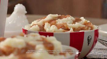 KFC $20 Fill Up TV Spot, 'Dejen de ver sus teléfonos' [Spanish] - Thumbnail 5