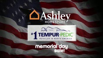 Ashley HomeStore Memorial Day Sale TV Spot, 'Queen Sets' - Thumbnail 9