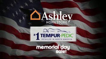 Ashley HomeStore Memorial Day Sale TV Spot, 'Queen Sets' - Thumbnail 8