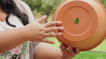 Miracle-Gro Nature's Care TV Spot, 'Garden' Featuring Jennifer Phanomrat - Thumbnail 8