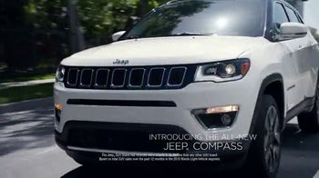 Jeep Memorial Day Sales Event TV Spot, 'Discover' Song by Imagine Dragons [T2] - Thumbnail 5
