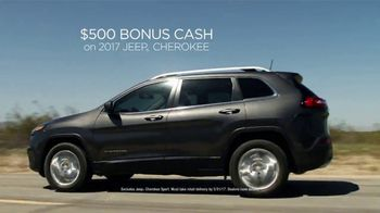 Jeep Memorial Day Sales Event TV Spot, 'Discover' Song by Imagine Dragons [T2] - Thumbnail 7