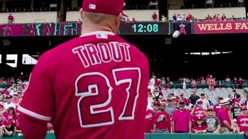 MLB 2017 Play Ball Weekend TV Spot, 'Los estadios esperan' [Spanish] - Thumbnail 5