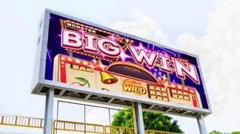 Big Fish Casino TV Spot, 'Big Win: Everybody's Playing Baseball' - Thumbnail 9