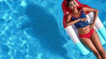 Macy's Memorial Day Sale TV Spot, 'Dive Into Summer: Swimwear' - Thumbnail 1
