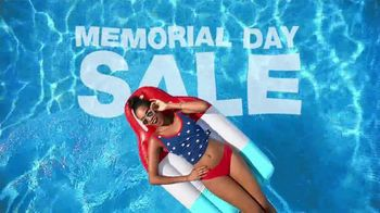 Macy's Memorial Day Sale TV Spot, 'Dive Into Summer: Swimwear' - Thumbnail 2
