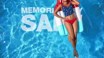 Macy's Memorial Day Sale TV Spot, 'Dive Into Summer: Swimwear' - Thumbnail 3