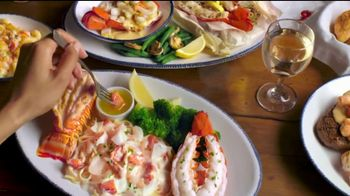 Red Lobster Lobsterfest TV Spot, 'Bibs On!' - Thumbnail 10