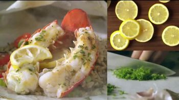 Red Lobster Lobsterfest TV Spot, 'Bibs On!' - Thumbnail 6