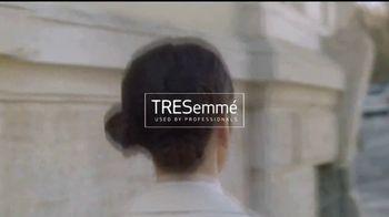TRESemme Compressed Micro Mist TV Spot, 'Estilo sin rigidez' [Spanish] - Thumbnail 1