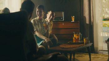 Lipton TV Spot, 'Refreshingly Optimistic Moments' Song by Frank Sinatra - Thumbnail 1