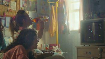 Lipton TV Spot, 'Refreshingly Optimistic Moments' Song by Frank Sinatra - Thumbnail 5