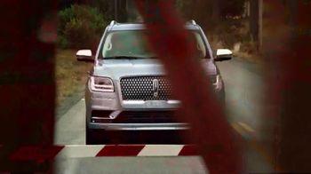2018 Lincoln Navigator TV Spot, 'Perfect Rhythm' Feat. Matthew McConaughey [T1] - Thumbnail 6
