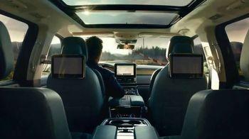 2018 Lincoln Navigator TV Spot, 'Perfect Rhythm' Feat. Matthew McConaughey [T1] - Thumbnail 7