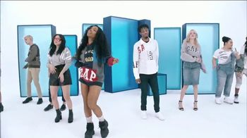 Gap TV Spot, 'Logo Remix' Featuring SZA, Metro Boomin, Naomi Watanabe, Miles Heizer