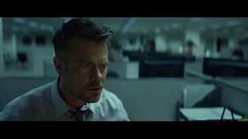 Taco Bell $5 Nacho Fries Box TV Spot, 'Delicious Bonus' Feat. Josh Duhamel - Thumbnail 2