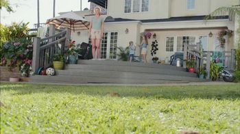 Scotts Turf Builder Southern Triple Action TV Spot, 'Open for Play' - Thumbnail 1