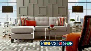 Rooms to Go TV Spot, 'Stop, Look, Shop' - Thumbnail 6