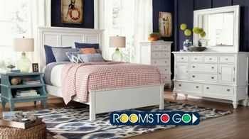 Rooms to Go TV Spot, 'Stop, Look, Shop' - Thumbnail 7