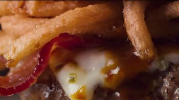 Applebee's Whisky Bacon Burger TV Spot, 'Whiskey' Song by Frankie Ballard - Thumbnail 3
