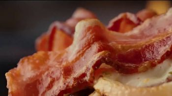 Applebee's Whisky Bacon Burger TV Spot, 'Whiskey' Song by Frankie Ballard - Thumbnail 4