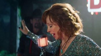 KFC Smoky Mountain BBQ TV Spot, 'Country Music Singer' Feat. Reba McEntire - Thumbnail 5