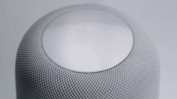 Apple HomePod TV Spot, 'Bass' Song by Lizzo - Thumbnail 9