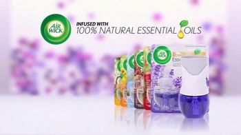 Air Wick Essential Oils TV Spot, 'Real People, Real Fragrance' - Thumbnail 10