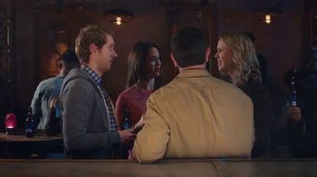 Bud Light TV Spot, 'Dueto de karaoke' [Spanish] - Thumbnail 1