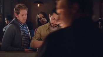 Bud Light TV Spot, 'Dueto de karaoke' [Spanish] - Thumbnail 2